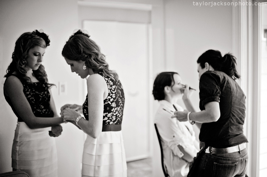 girls-getting-ready